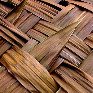 palm_roof_weaving
